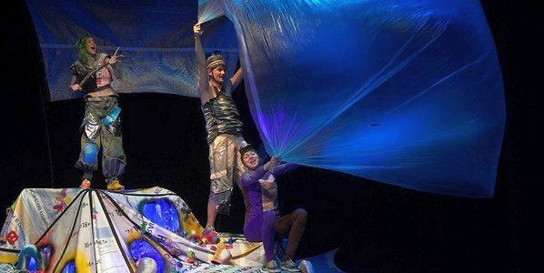 Молодёжный театр показал пьесу о будущем
